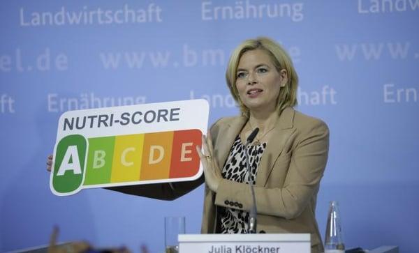 Julia Klöckner presenting the Nutri Score label